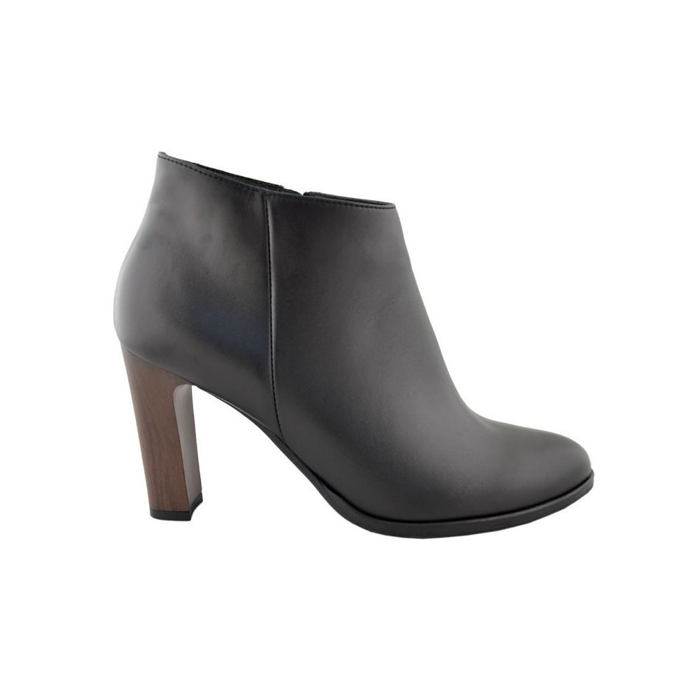 Model: 893 czarny/brąz