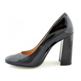 Model: 1270 czarny/lakier